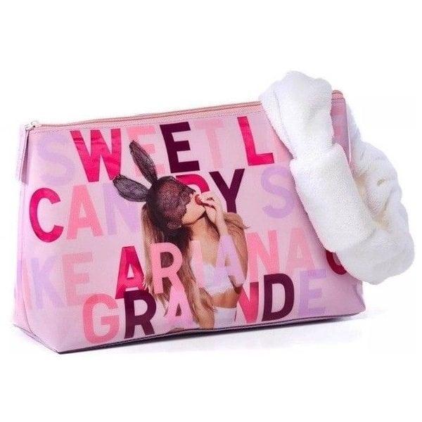 Ariana Grande Free Gift