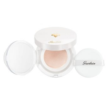Abeille-Royale-Honey-Cushion-1-Very-Light