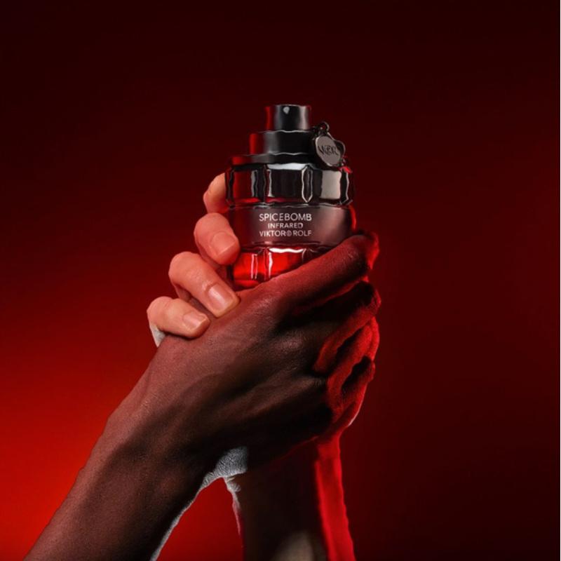 Viktor&Rolf Spicebomb Infrared Eau de Toilette Advertising 2